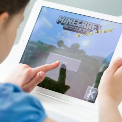 How Playing Minecraft With Friends Helps Children (And Why You Should Encourage It)